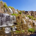 Abkühlung am nächsten Wasserfall