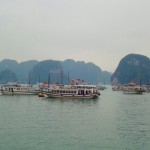 Ha Long Bay - Jede Menge Boote.