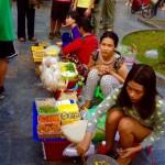 Saigon - Straßenverkäuferinnen überall