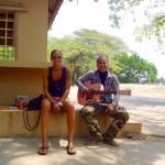 Battambang - Tratra lernt auch gerade Gitarre spielen
